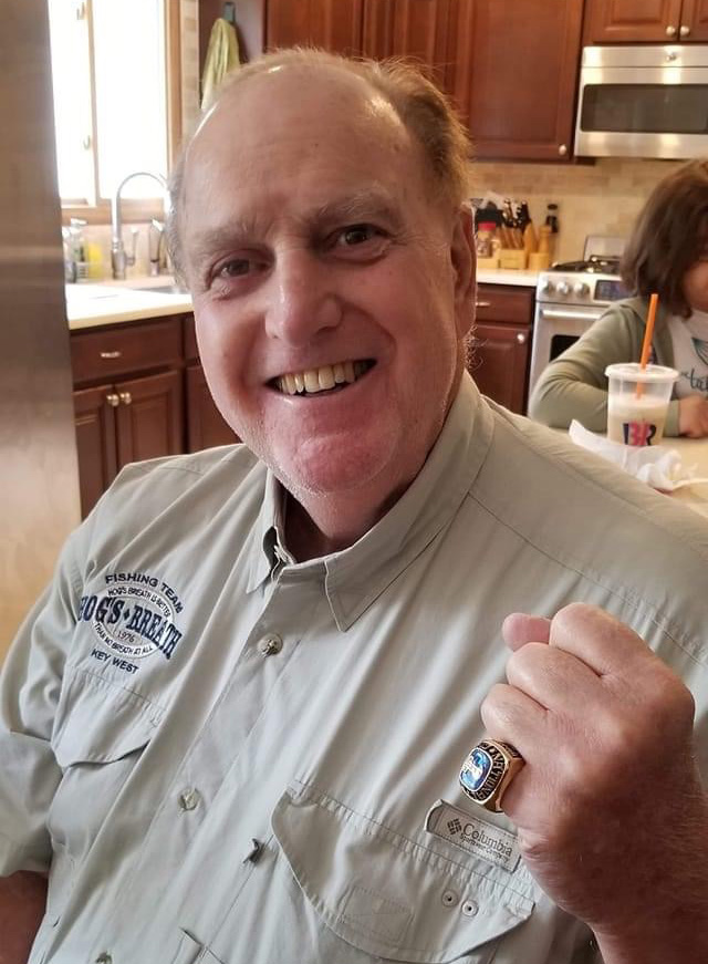 Cavaliere receives his commemorative National Gas Rodeo Champion ring